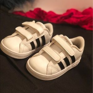 Adidas shoes for toddlers size 6k